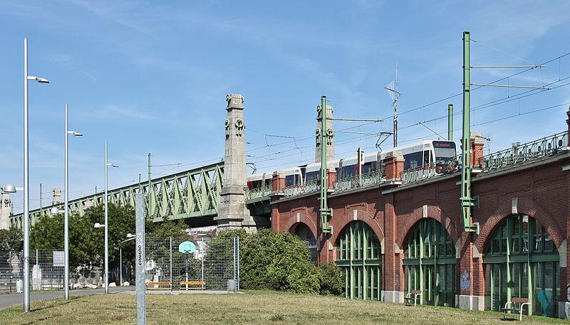 Puente sobre el Wienzeile