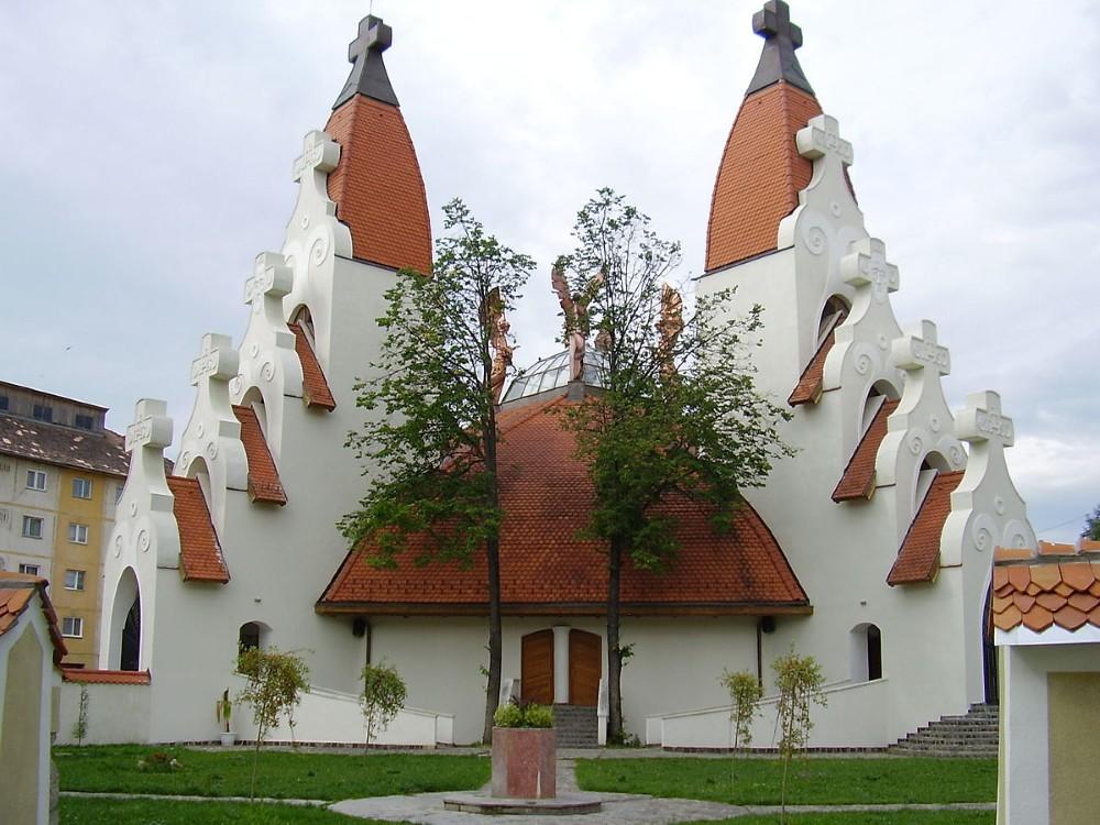 Iglesia Católica (Biserica Mileniului)