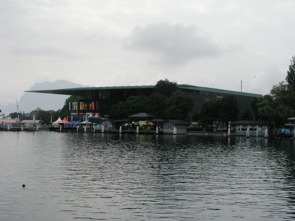 Centro Cultural y de convenciones