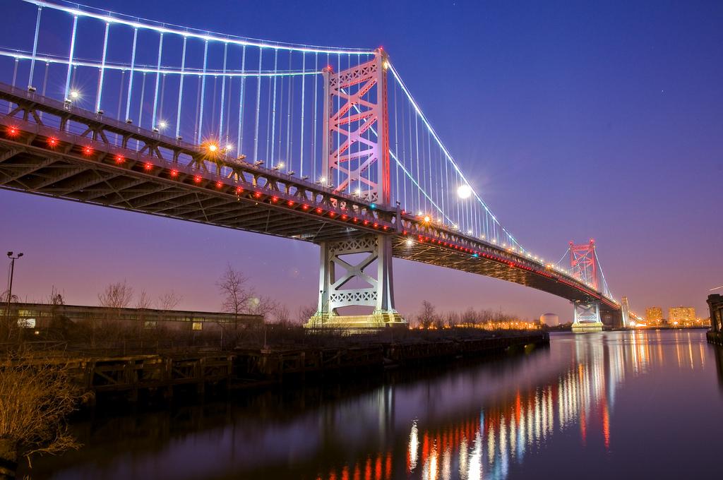 Diseño de Iluminación del puente Benjamin Franklin