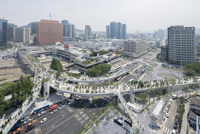 Jardín elevado Seoullo 7017