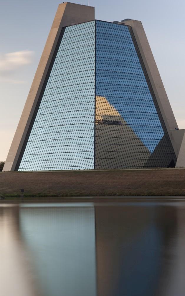 Sede del College Life Insurance Company of America (Las Pirámides)