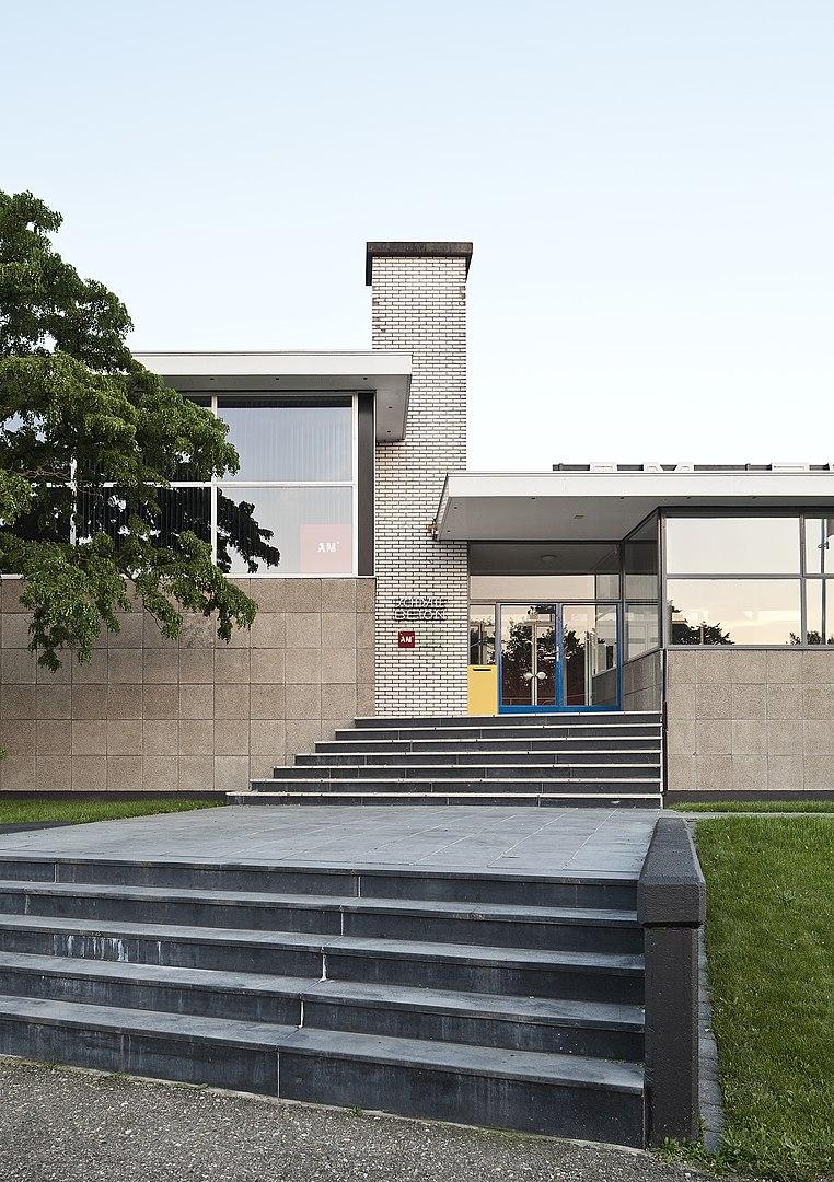 Edificio de oficinas Schrale's Beton