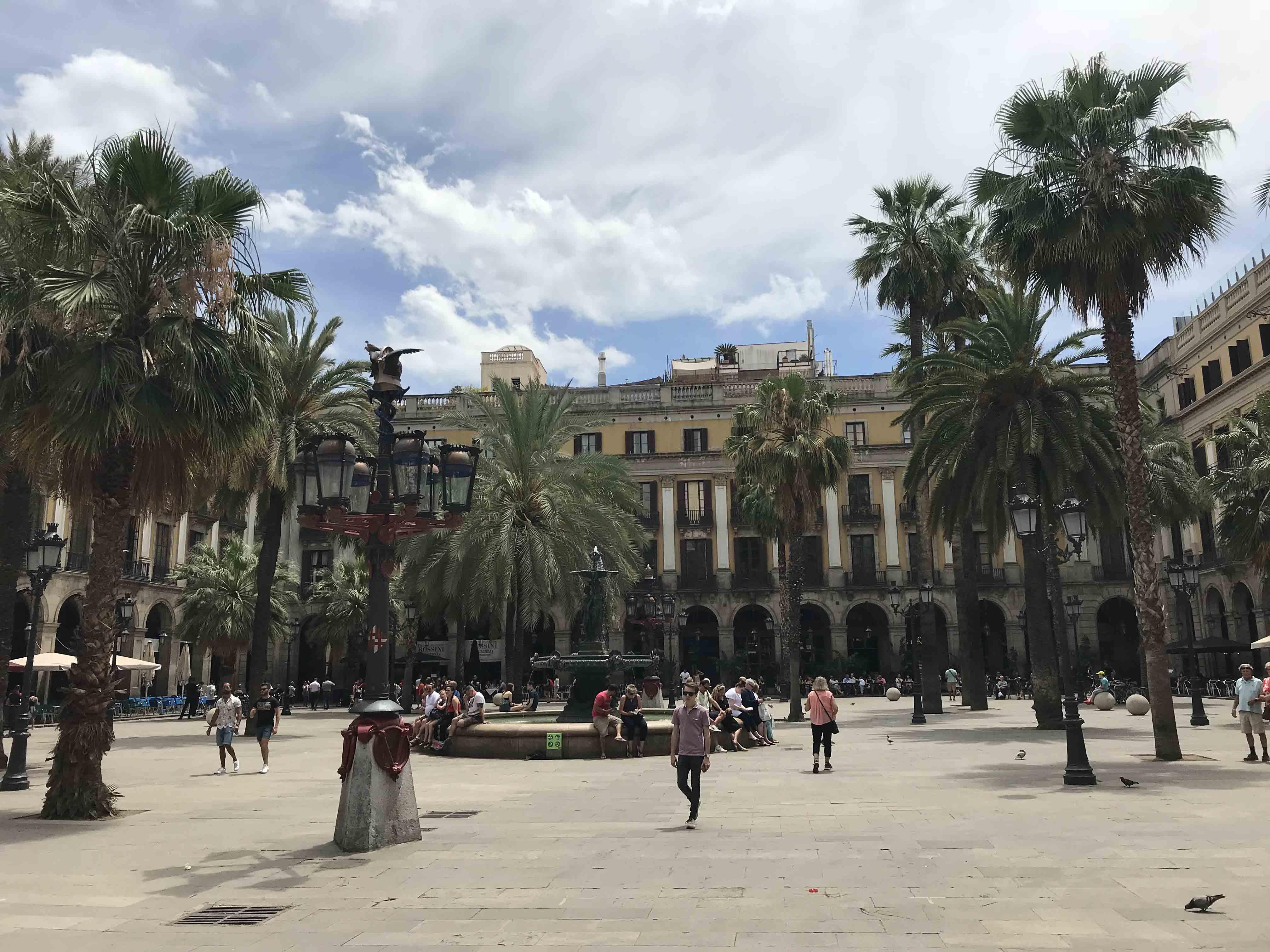 Farolas de la Plaza Reial