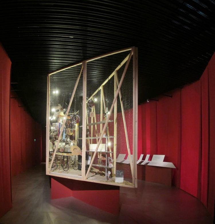 Exposición sobre la obra de Lluís Clotet en la sala de exposiciones 'Arquería de Nuevos Ministerios', Madrid